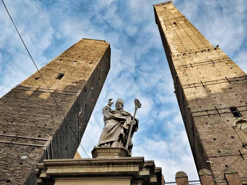 torri di bologna, torre degli asinelli e torre garisenda