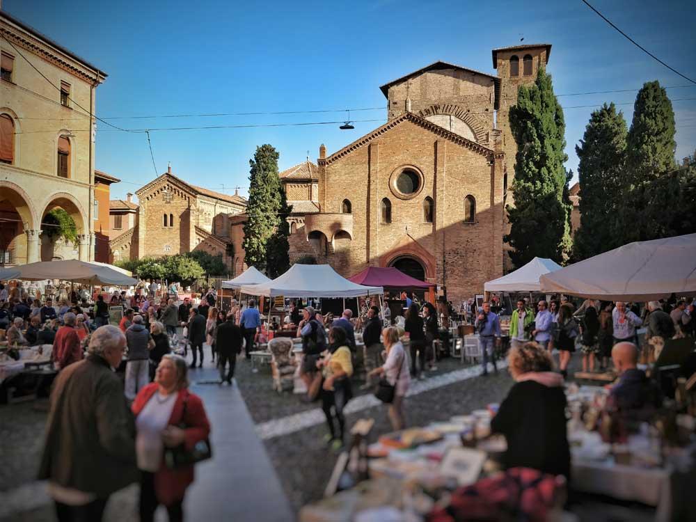 cosa fare a bologna, sette chiese, mercatino, santo stefano