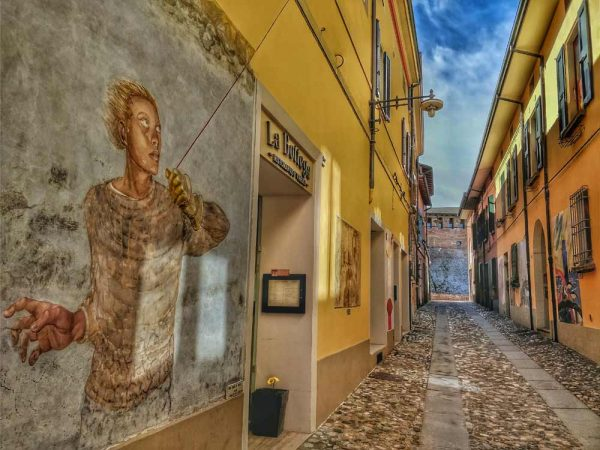 dozza, murales, to visit near Bologna