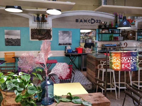 fish shop, bologna italy, Mercato delle erbe