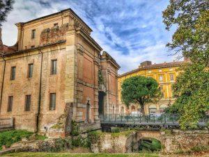 visit bologna, galiera gates