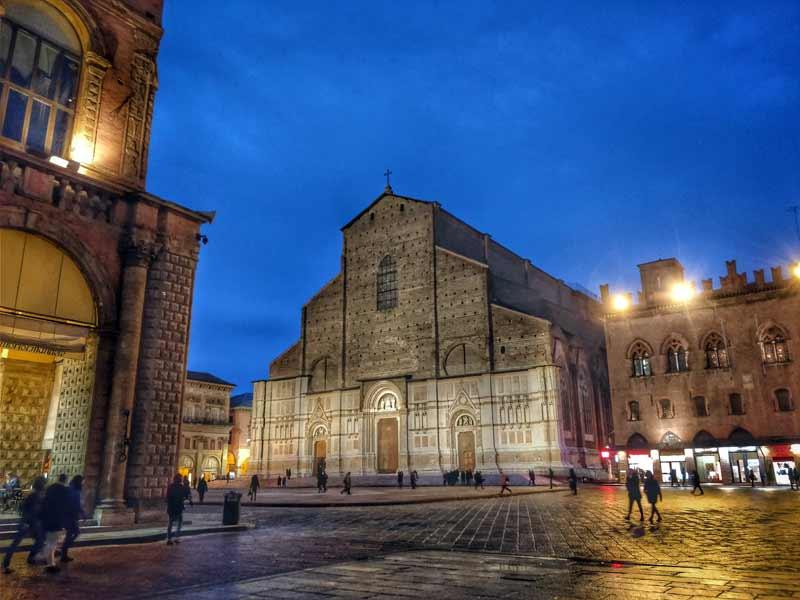 visitare bologna, cosa fare e vedere a bologna, itinerario di uno due tre giorni, week end, visit bologna, things to do and see